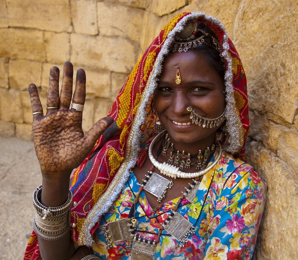 Indian Jewellery And Clothing: Lomani Luxury Travel